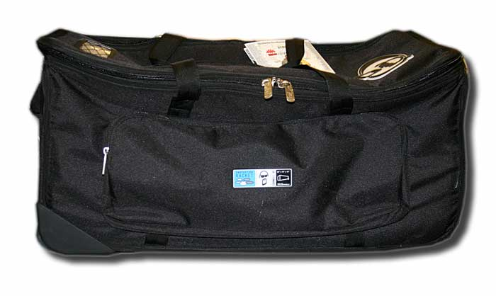Protection racket 28in hardware case + wheels
