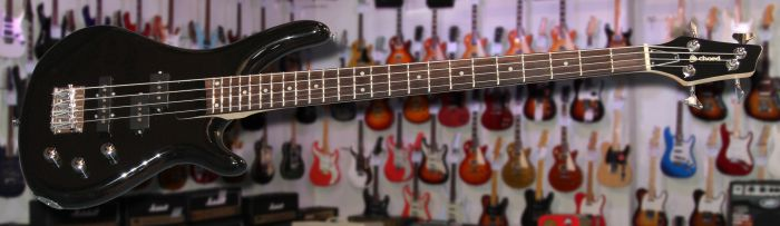 Chord CCB90 Bass Guitar Black